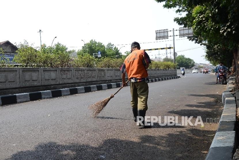 Petugas kebersihan (ilustrasi)