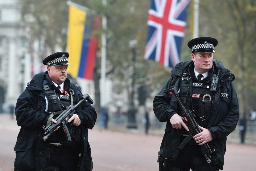 Petugas Kepolisian London Inggris.