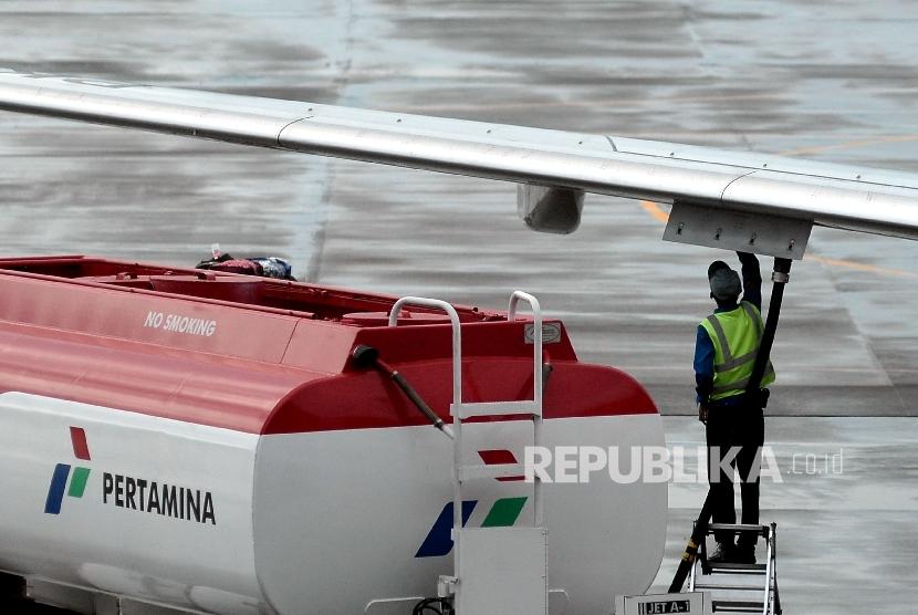 Harga Avtur Pertamina Murah Indef Aneh Tiket Pesawat Mahal