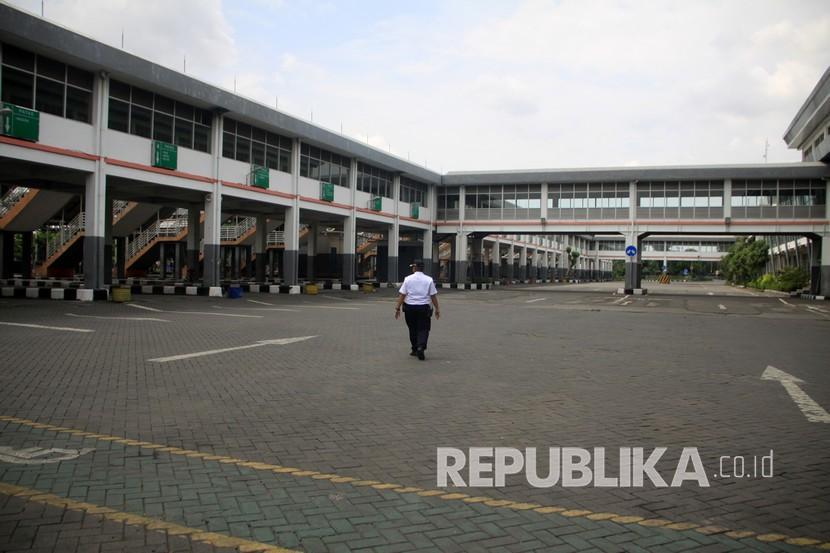 [Ilustrasi] Terminal Purabaya, Bungurasih, Sidoarjo, Jawa Timur.