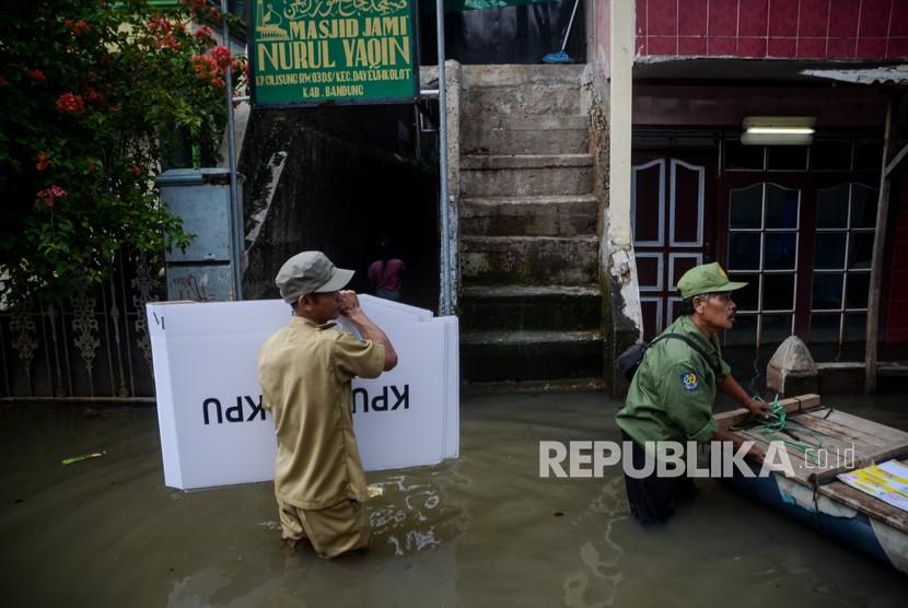 Banjir dan logistik pemilu (ilustrasi)
