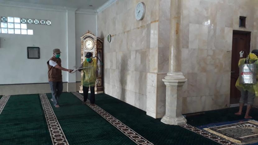 Sukabumi Bolehkan Sholat Tarawih di Masjid dengan Prokes (ilustrasi).