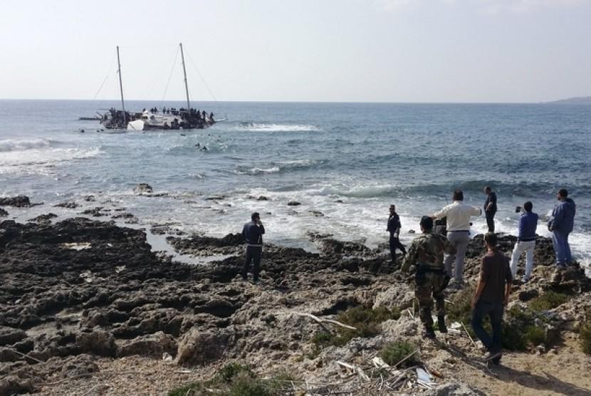 Kapal imigran yang karam. (Ilustrasi)