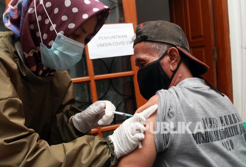 Wali Kota: 394 Ribu Warga Surabaya Sudah Divaksin Covid-19 (ilustrasi).