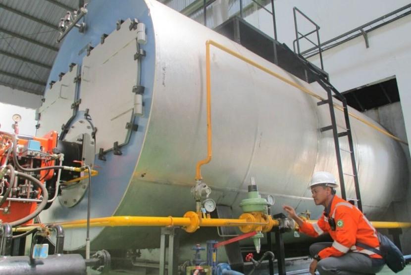 PGN mulai menyalurkan gas bumi (gas in) ke pabrik infus milik PT Emjebe Pharma di Pasuruan, Jawa Timur.