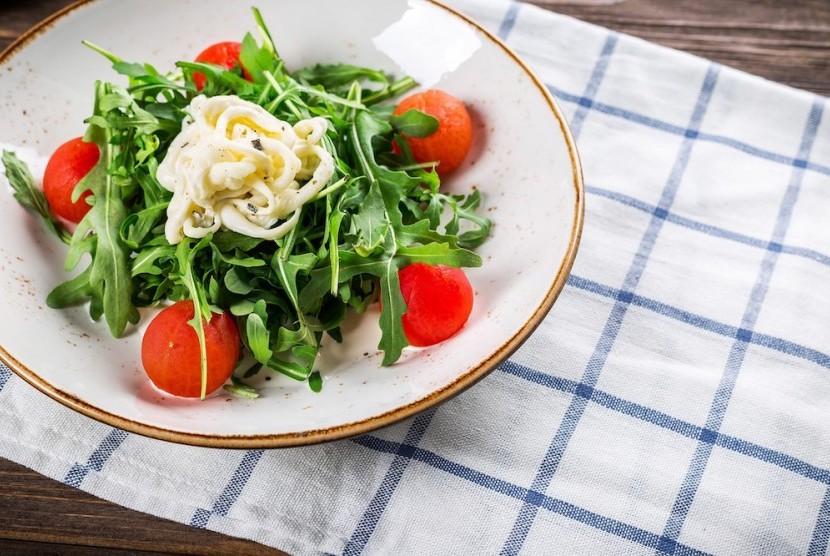 Pilih menu makan siang yang sehat dan mengenyangkan.