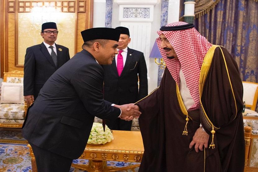 Pimpinan Majelis Permusyawaratan Rakyat Republik Indonesia (MPR RI) bertemu dengan Raja Arab Saudi, Salman bin Abdulaziz Al-Saud di komplek Kerajaan Arab Saudi pada Senin (23/12).