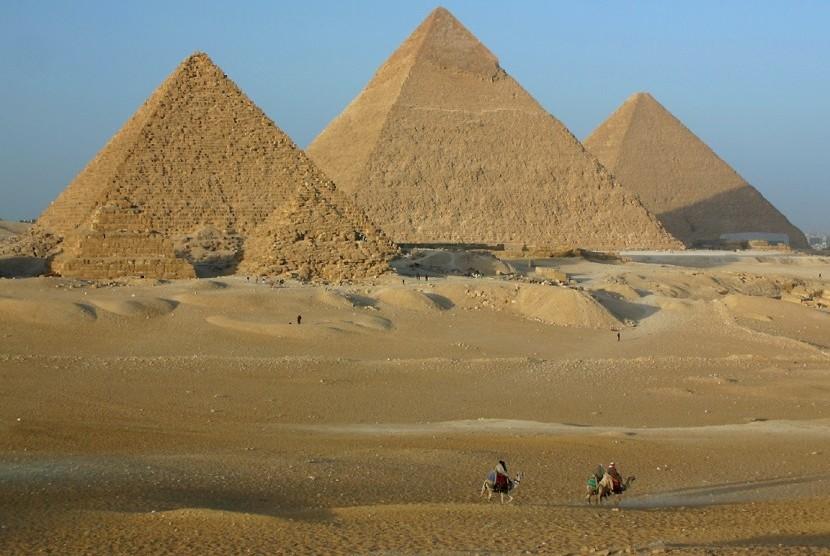 Piramida-Piramida Mesir.