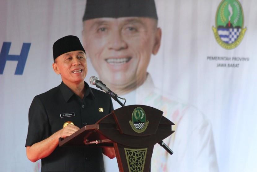 Pj Gubernur Jawa Barat M Iriawan menyampaikan sambutan pada acara Halal Bihalal 1439 H Tingkat Provinsi Jawa Barat, di halaman parkir Gedung Sate, Kota Bandung, Senin (25/6).