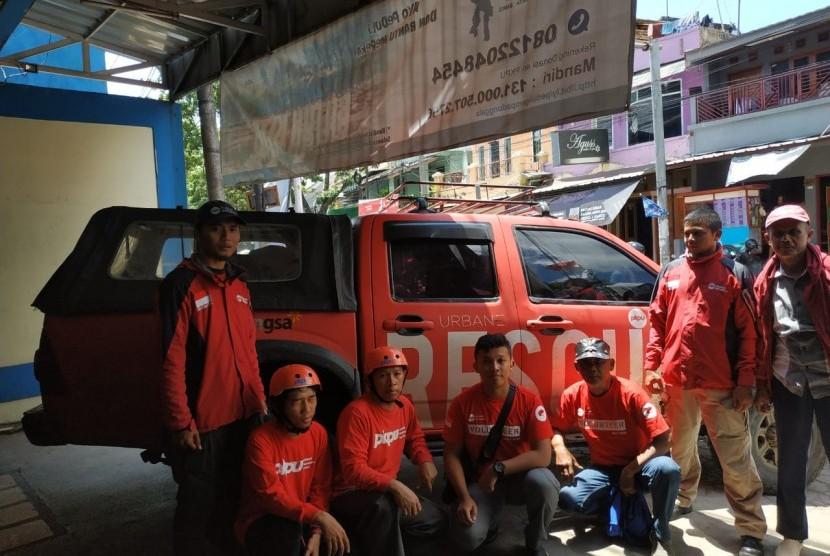 PKPU HI mengirim tim rescue ke lokasi longaor Cisolok.
