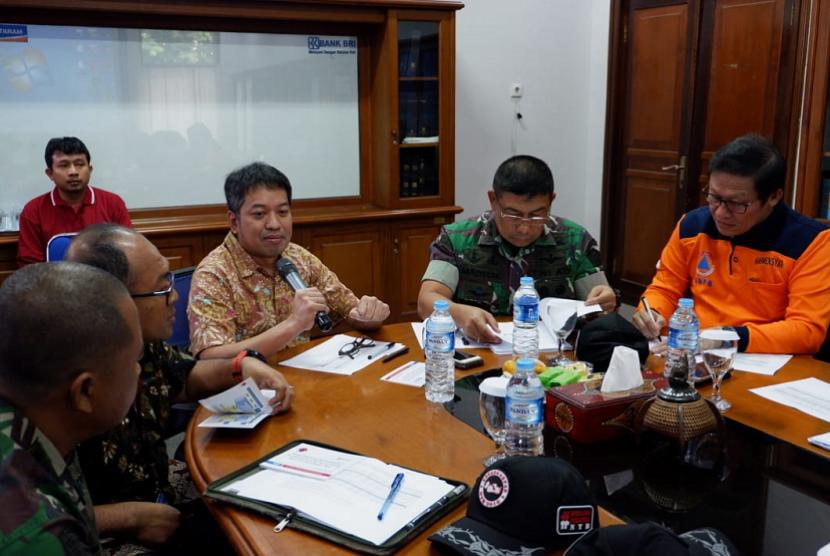 Plt Deputi Bidang Koordinasi Dampak Bencana dan Kerawanan Sosial Kementerian Koordinator Bidang Pembangunan Manusia dan Kebudayaan (Kemenko PMK), Sonny Harry Harmadi, kumpulkan para fasilitator se-Lombok.