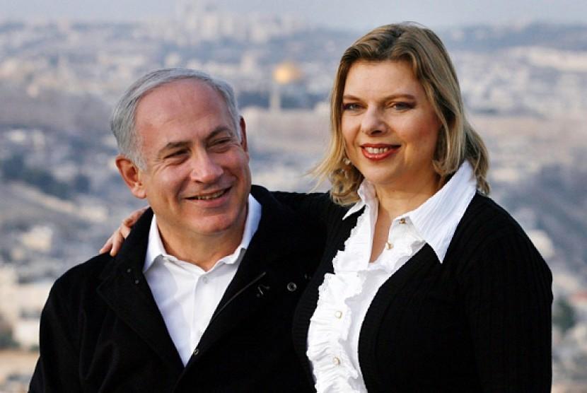 PM Israel Benjamin Netanyahu dan istrinya Sara.