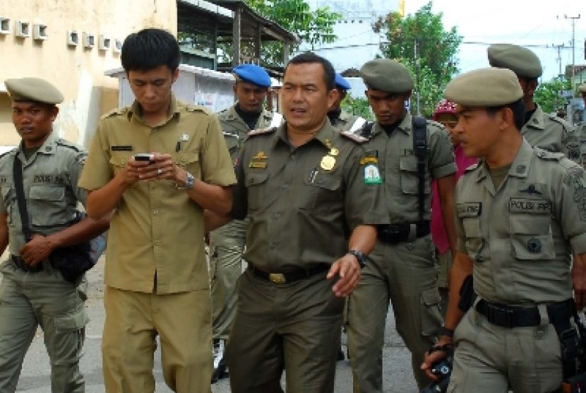PNS bolos ditangkap petugas Satpol PP (ilustrasi).