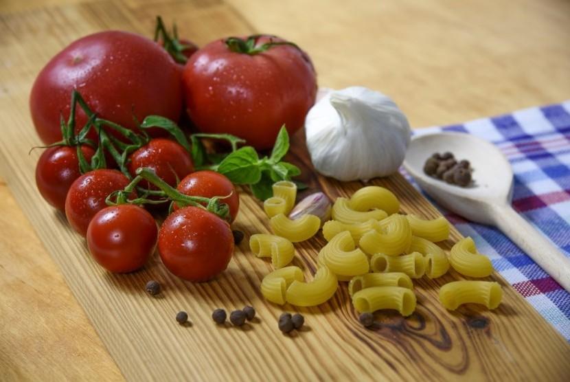 Pola makan ala diet Mediterania mengandung banyak sayur dan buah.