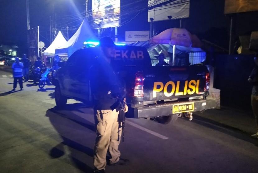 Polda Metro Jaya berpatroli keliling Jakarta untuk mengantisipasi aksi geng motor, Kamis (16/5), Jakarta.