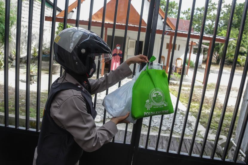 Walkot Cirebon Gelorakan Sedekah Bantu Warga Terdampak Covid (ilustrasi).