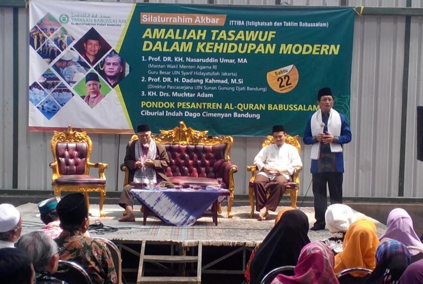 Pondok Pesantren Alquran Babussalam Bandung menggelar acara silaturahim akbar di komplek pesantrennya, Kecamatan Cimenyan, Kabupaten Bandung, Sabtu (22/8). Acara ini merupakan salah satu upaya Pontren Alquran Babussalam dalam mengampanyekan kerukunan hidup