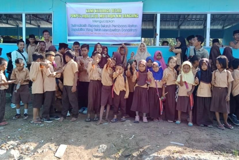 Ponpes Hidayatul Muttaqin di Dangiang, Kayangan, Lombok Utara, mengucapkan terima kasih atas donasi yang diberikan pembaca Republika pada Kamis (6/12).