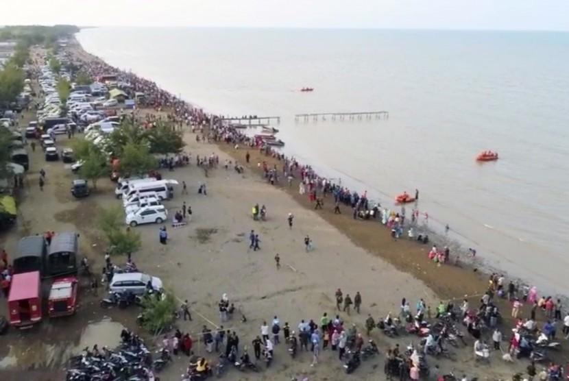 Posko evakuasi jatuhnya pesawat Lion Air JT-610 di Tanjung Pakis, Pakis Jaya, Karawang.