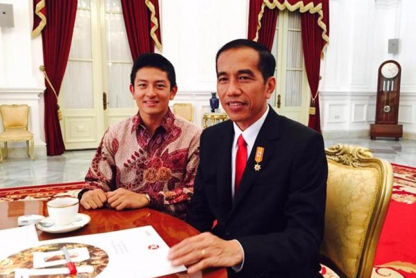 Postingan akun twitter Jokowi dengan pembalab Rio Haryanto pada  13 Agustus 2015.
