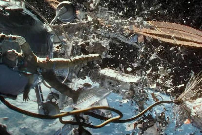 Potongan adegan dalam film 'Gravity' besutan Alfonso Cuaron