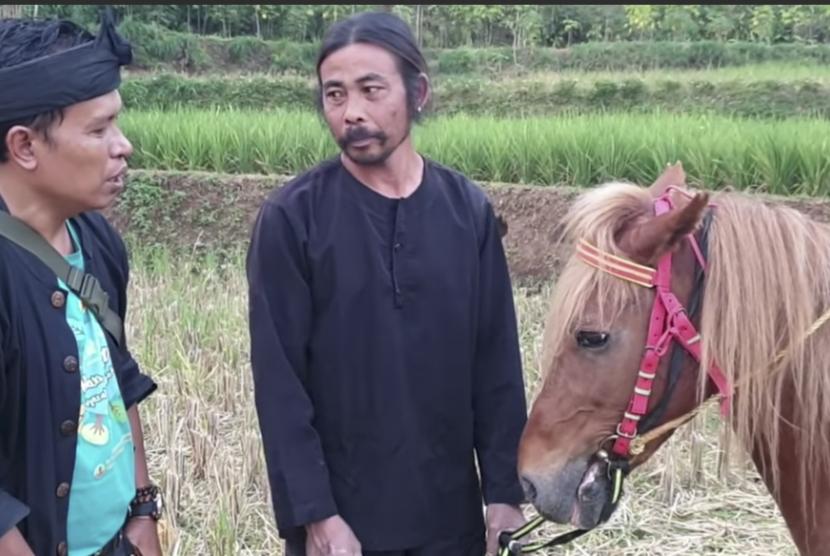 Potongan video akun YouTube Krisna Euy tentang Kuda Renggong