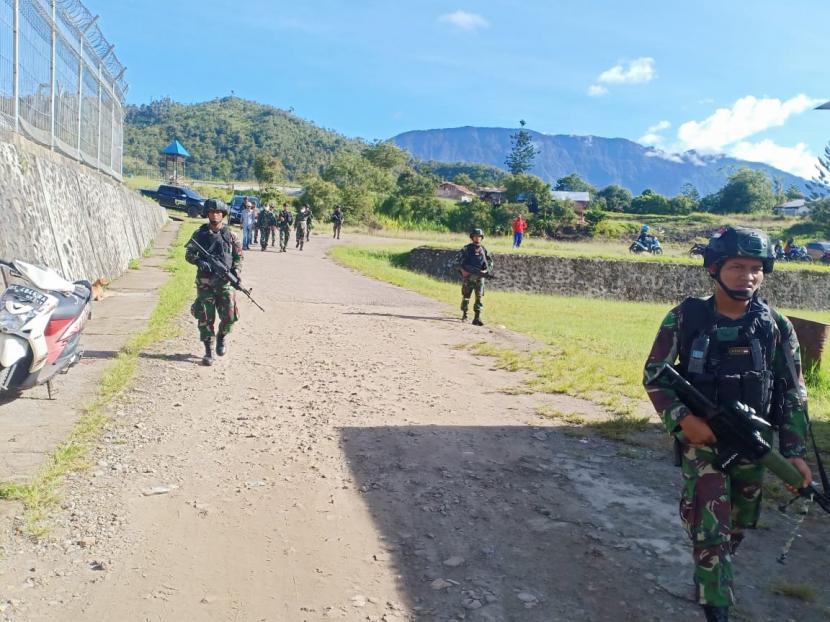 [Ilustrasi] Prajurit di Kabupaten Pegunungan Bintang, Papua.
