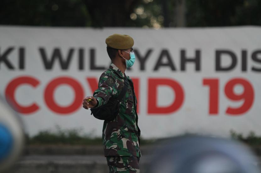Kenaikan kasus Covid-19 di luar Jawa-Bali meningkat. Pemerintah akan replikasi tindakan di RS Jawa untuk RS di luar Jawa agar bisa turunkan kasus Covid-19.