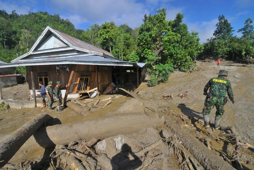 Rumah yang rusak di Desa Sintiwu, Palolo, Sigi, Sulawesi Tengah (ilustrasi)