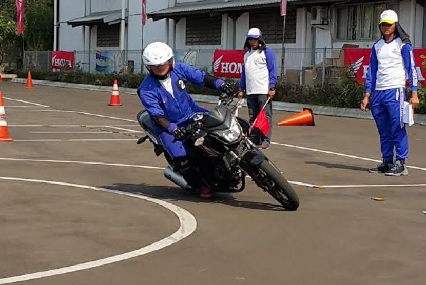 Wms Motor Group >> Wms Gelar Kompetisi Safety Riding Bagi Komunitas Motor Honda