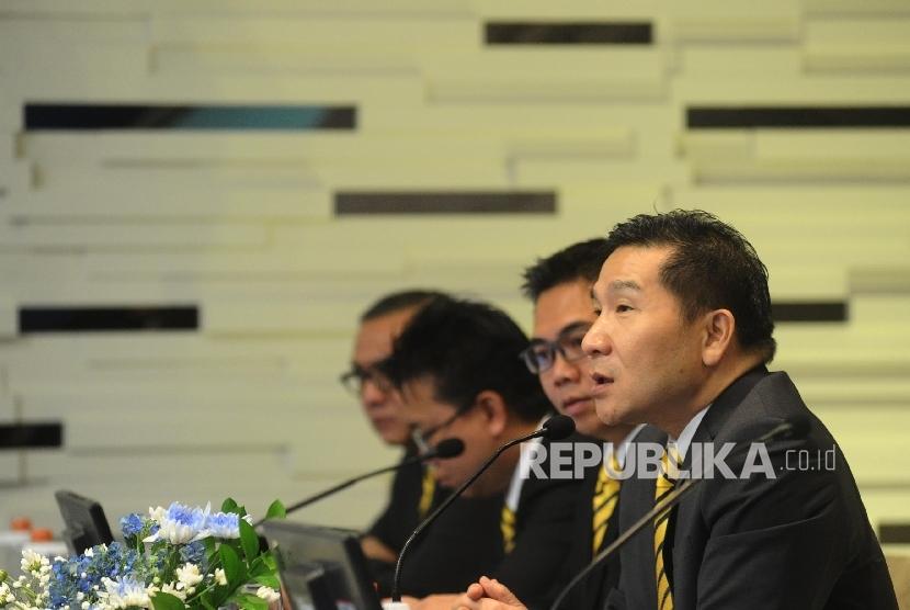 Presdir WOM Finance Djaja Suryanto Sutandar (kanan). WOM Finance berhasil membukukan laba bersih sebesar Rp 50 miliar di enam bulan pertama di tahun 2021 atau mengalami penurunan sebesar 13 persen dari periode yang sama tahun lalu.