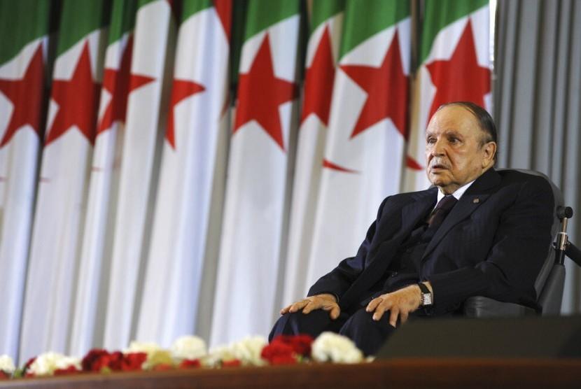 Mantan Presiden Aljazair Abdelaziz Bouteflika Meninggal . Foto:  Presiden Aljazair Abdelaziz Bouteflika pada 2014.