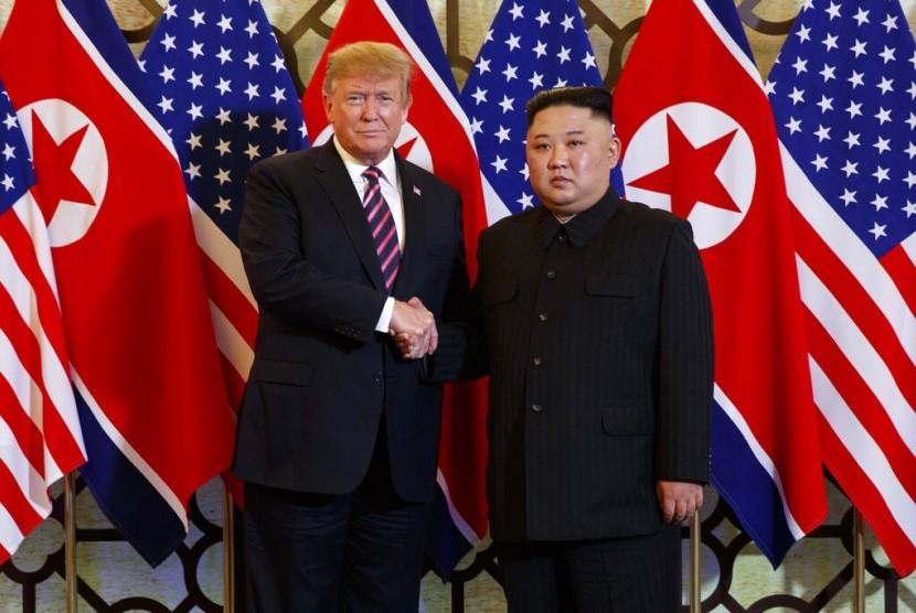 Presiden AS Donald Trump dan pemimpin Korut Kim Jong-un bertemu di Vietnam, Rabu (27/2).