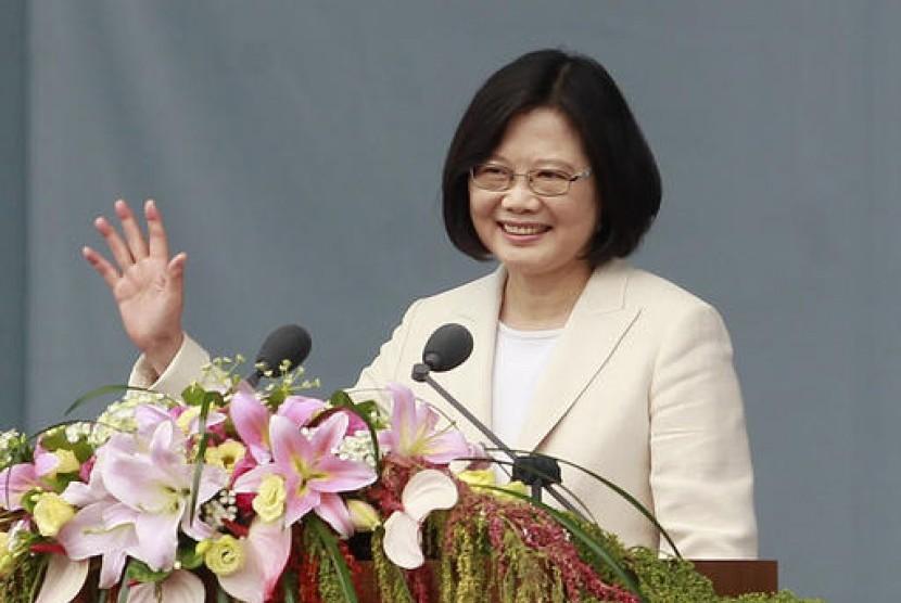 Presiden baru Taiwan Tsai Ing-wen memberikan pidato saat pelantikannya di Taipei, Jumat, 20 Mei 2016.