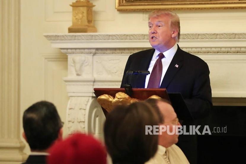 Presiden Donald Trump menggelar buka bersama di Gedung Putih