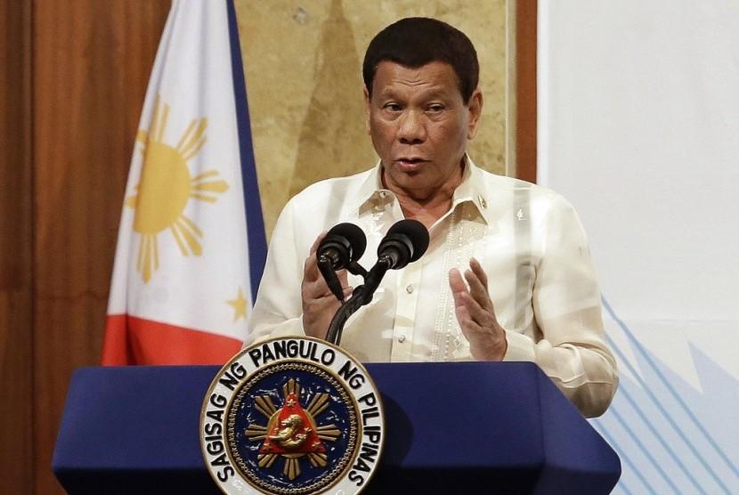Presiden Filipina Rodrigo Duterte berbicara dalam forum bisnis Korea Selatan (Korsel)-Filipina di Seoul, Korsel, Selasa (5/6).