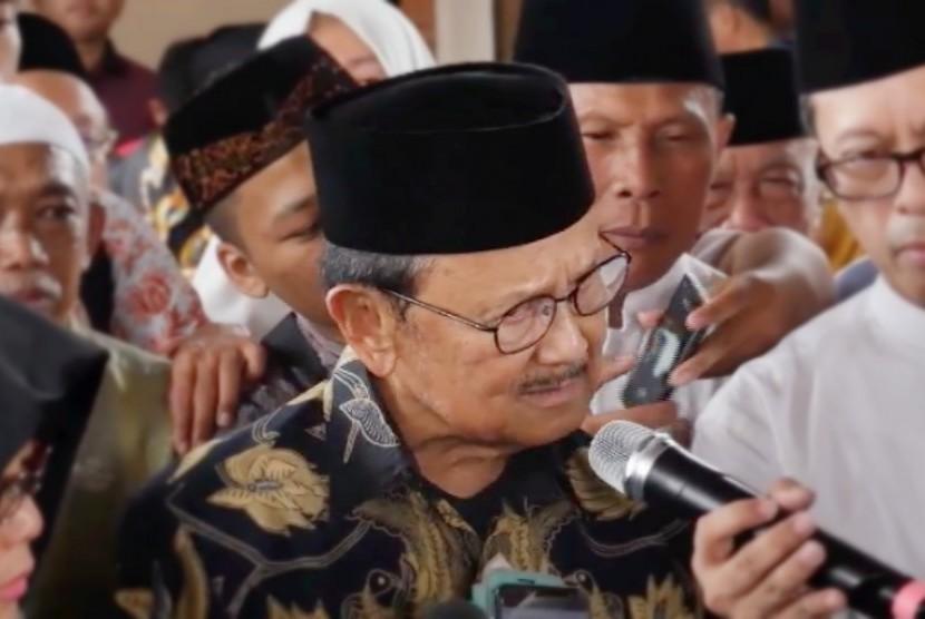 Presiden Indonesia ke-3 Bacharuddin Jusuf Habibie (BJ Habibie)