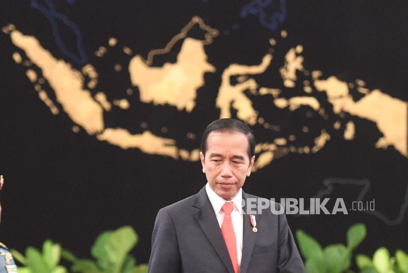 Presiden Joko Widodo bersiap memberikan keterangan pers terkait rencana pemindahan Ibu Kota Negara di Istana Negara, Jakarta, Senin (26/8/2019).