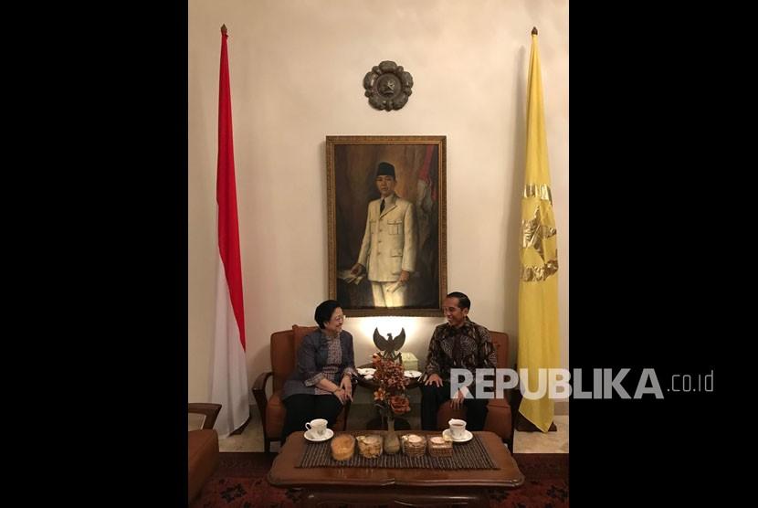 President Joko Widodo met Megawati Soekarnoputri at Istana Batu Tulis, Bogor, Sunday (8/7).