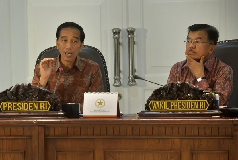Presiden Joko Widodo didampingi Wapres Jusuf Kalla