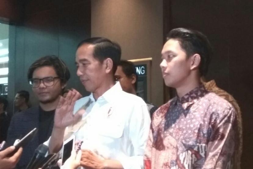 Nonton Bareng Film Yowis Ben Jokowi Mengaku Terhibur Republika Online