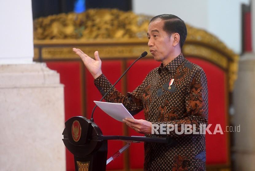 Presiden Joko Widodo menyampaikan pidato sebelum membuka Rakernas Kementerian Agraria dan Tata Ruang/Badan Pertanahan Nasional (ATR/BPN) di Istana Negara, Jakarta, Rabu (6/2/2019).