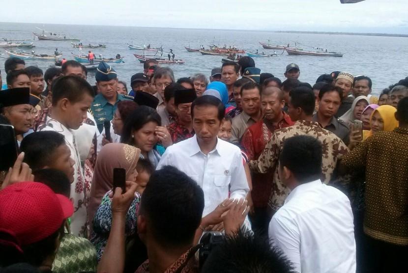Presiden Jokowi dan Ibu Negara Iriana.
