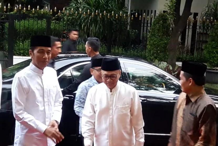 Presiden Jokowi dan Wapres JK hadiri undangan buka bersama di rumah dinas Ketua MPR Zulkifli Hasan, Jumat (10/5).