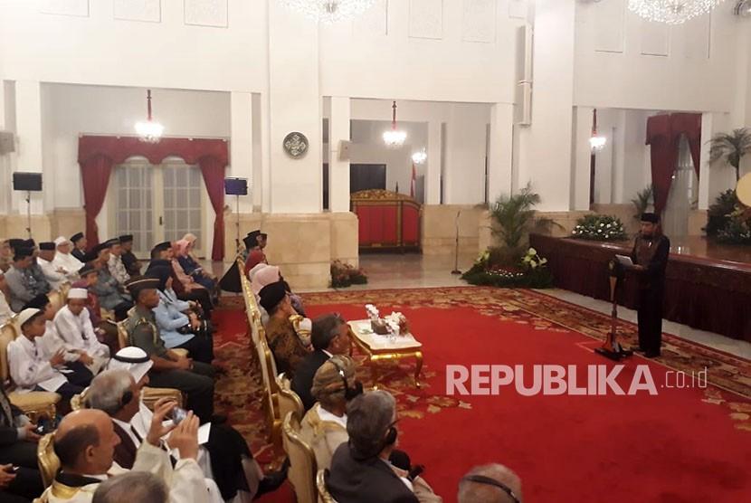 President Joko Widodo holds Nuzulul Quran commemoration at State Palace, on Monday.