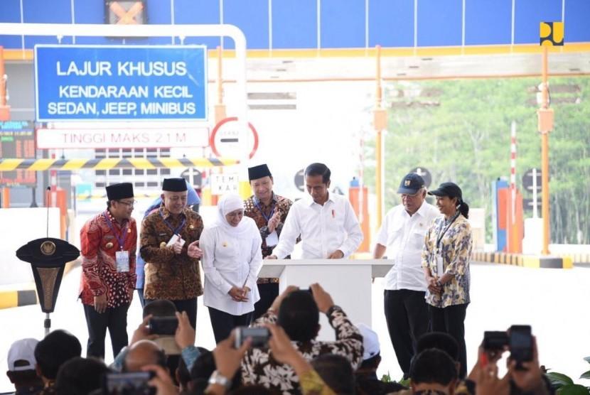 Presiden Jokowi meresmikan Tol Pandaan - Singosari