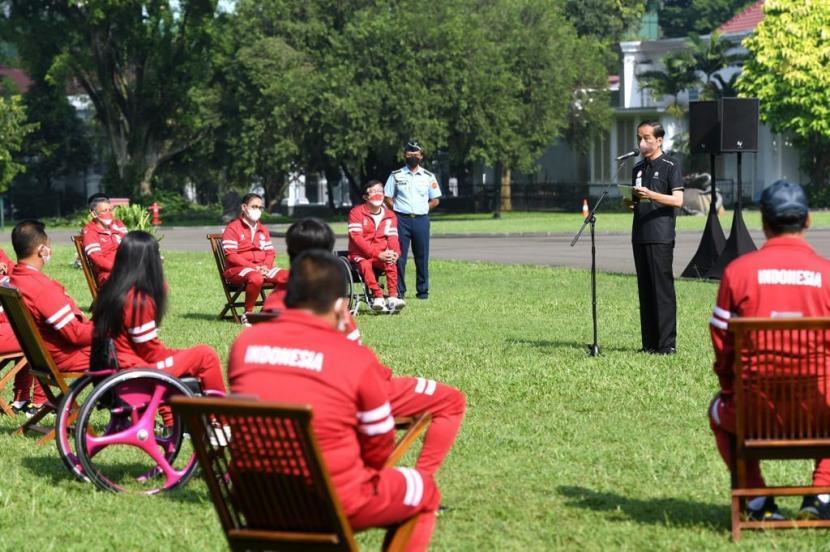 Presiden Jokowi saat menerima atlet paralimpiade Tokyo 2020 di Istana Kepresidenan Bogor, Jawa Barat, Jumat (17/9).