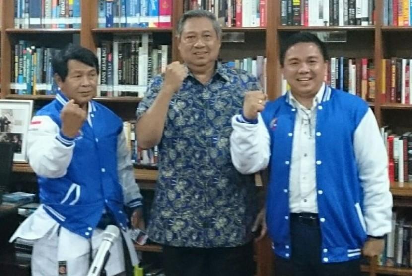 Presiden ke-6 RI Susilo Bambang Yudhoyono bersama Jackson Andre William Kumaat.