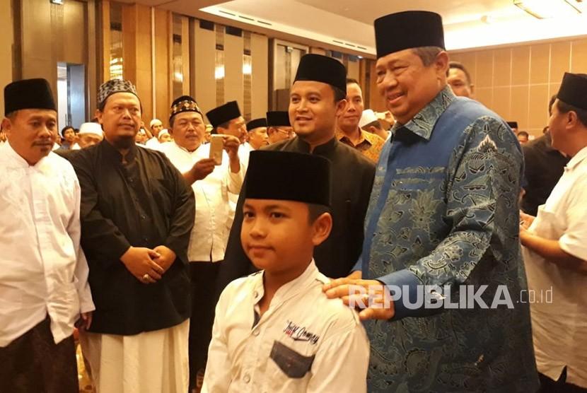 Presiden keenam Indonesia, Susilo Bambang Yudhoyono (SBY) baru saja menyelesaikan kunjungannya bersama alim ulama Jawa Timur di Hotel Harris Malang, Selasa (19/6).