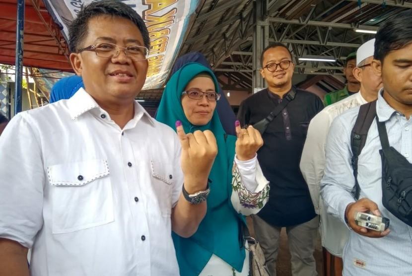 Presiden Partai Keadilan Sejahtera (PKS), Sohibul Iman mencoblos di TPS 235, Tugu, Cimanggis, Depok, Jawa Barat.